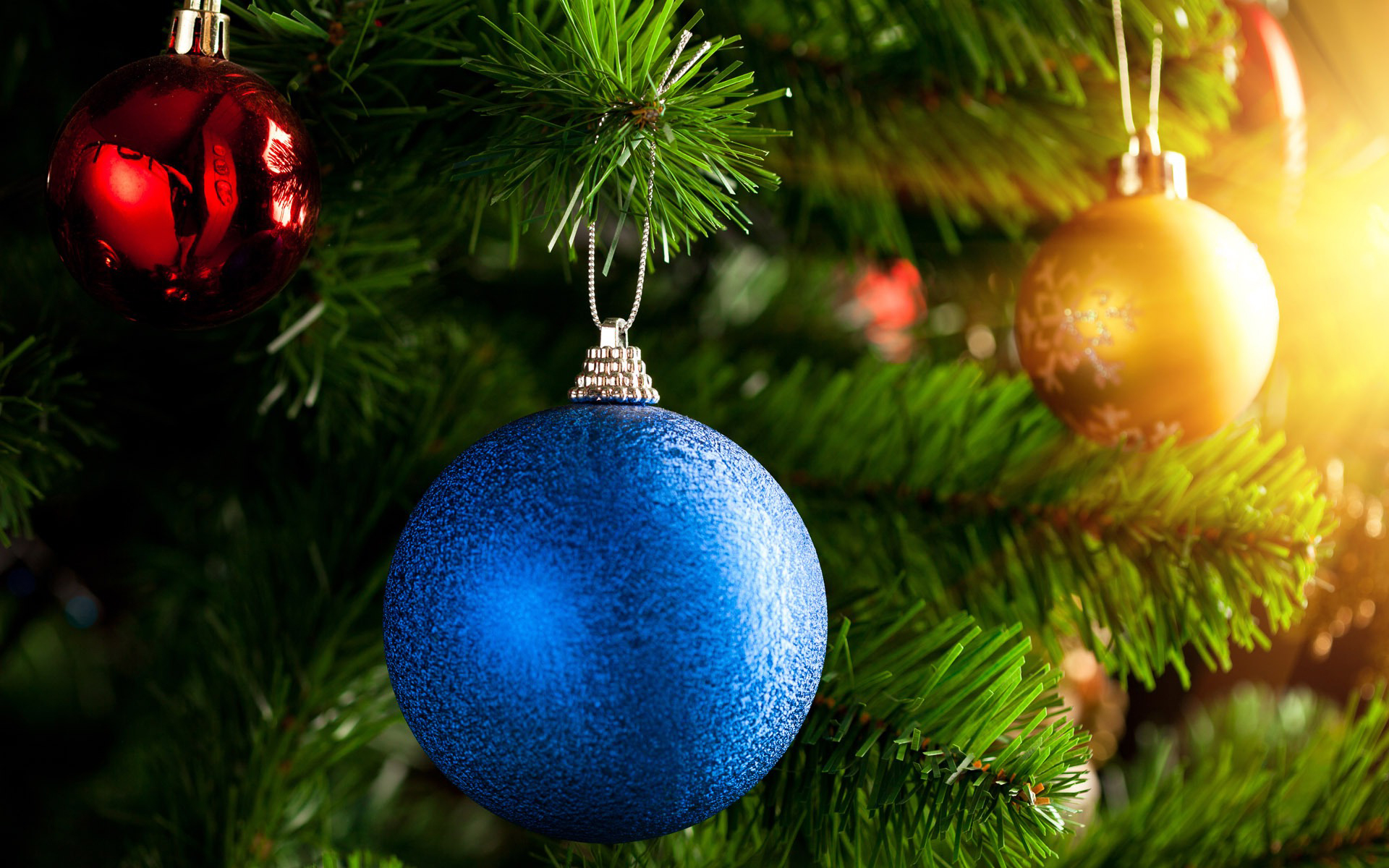 christmas-tree-bauble-wallpaper-1